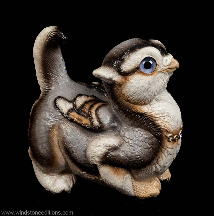 Crouching Griffin Chick - Silver Wolf color